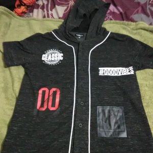 Carbon hooded shirt